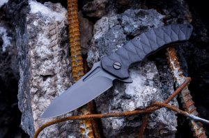 everyday carry flipper knives